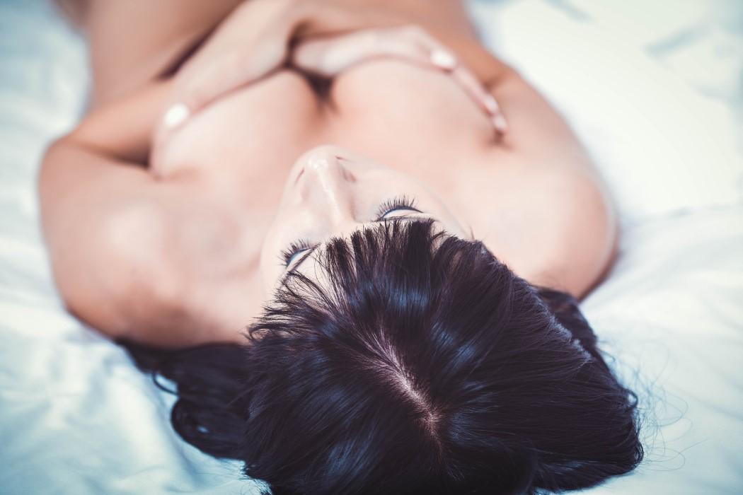 Reconstrucción de senos ventajas emocionales para la mujer