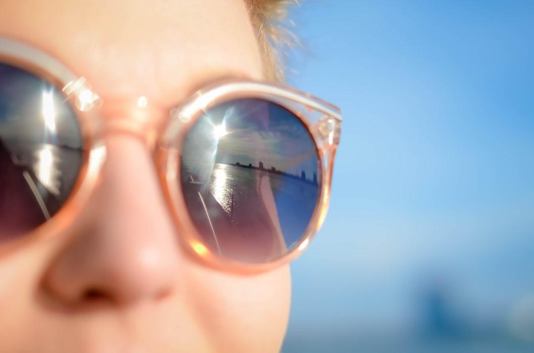 Por qué son tan importantes las gafas de sol en verano