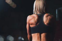 Cómo quitar una contractura muscular en la espalda 1
