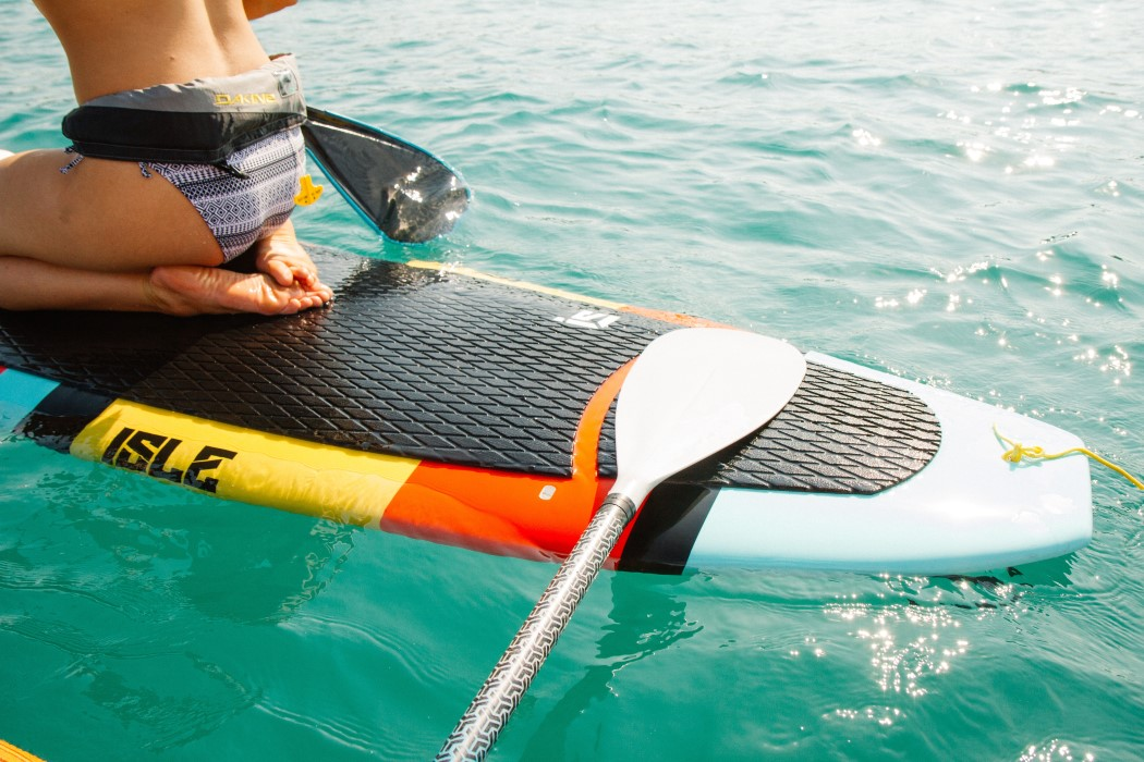 beneficios de realizar deportes en la playa