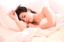 Consejos para evitar roncar mientras duermes
