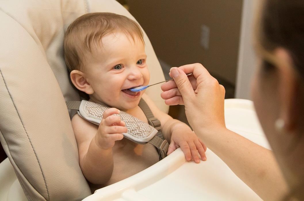Cómo empezar con la alimentación infantil