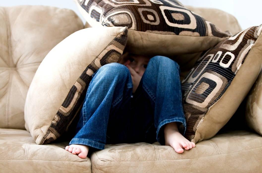 ¿Qué es el síndrome de la cabaña y cómo afecta a las personas durante el confinamiento y el posconfinamiento?